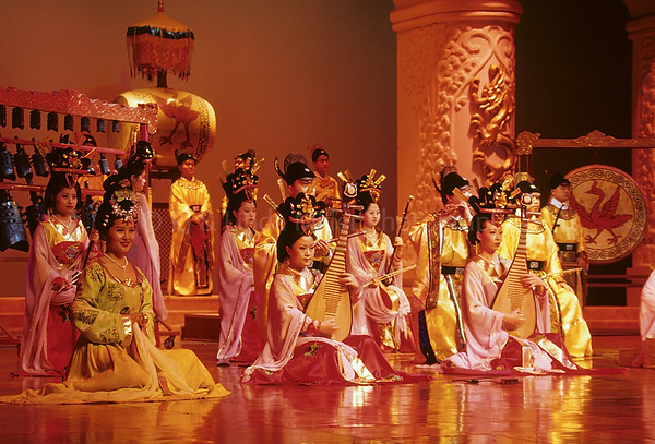 Dancers, Tang Dynasty Theatre, Xian, China, Asia, Asian