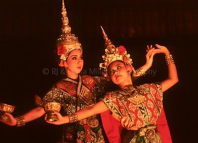 Classical Dancer, Pimarn Restaurant, Bangkok, Thailand, Southeast Asia,