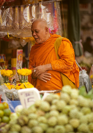Monk Shopping in Flower Market, Bangkok, Thailand, Southeast Asia,