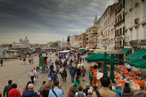 Sidewalks along Grande Canal, Venice, Venezia, Italy
