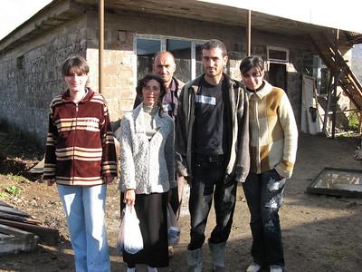 08 10 Khatchatryan - Happy homeowner partner. ce