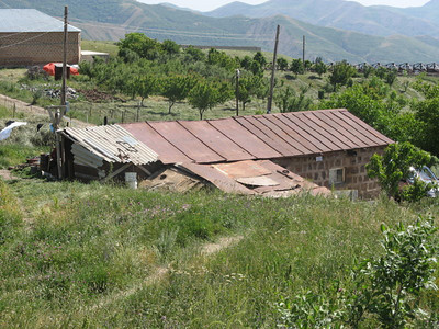 10 06-28  Typical substandard housing. FCH Armenia