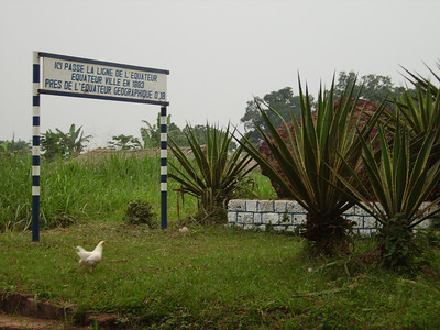 07 07 DRCongo - Marker for Equator, near Mbandaka. ds