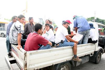 09 11 Local El Salvadorians arrive to assist the work team. Micah Whitt