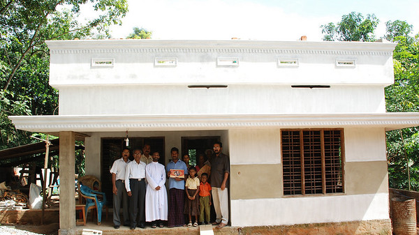 09 10 Dedication of first completed house. thl
