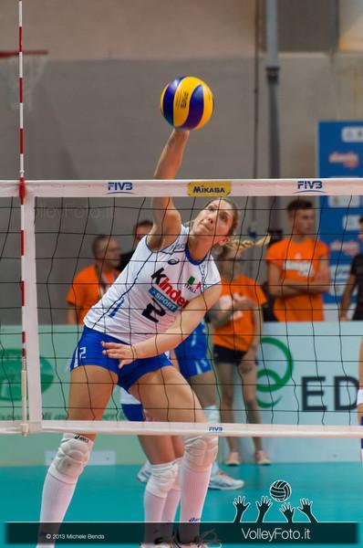 Cristina Barcellini (Italia) in una fase del pre-partita Italia-Giappone, Alassio Cup