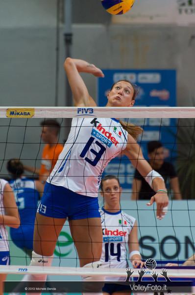Valentina Arrighetti (Italia) in una fase del pre-partita Italia-Giappone, Alassio Cup