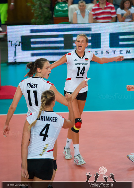 Margareta Kozuch, Christiane Furst, Maren Brinker [GER] celebrates a point