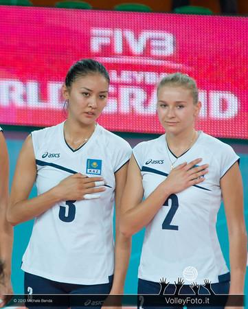 Sana Jarlagassova (L), Lyudmila Issayeva of Kazakhstan