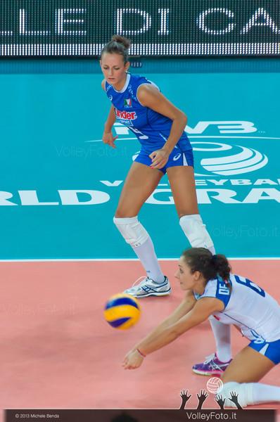 Monica De Gennaro [ITA] riceve la palla con Caterina Bosetti sullo sfondo