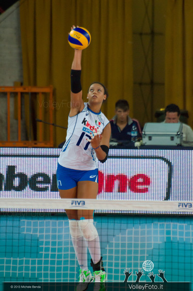 Valentina Diouf [ITA] serve