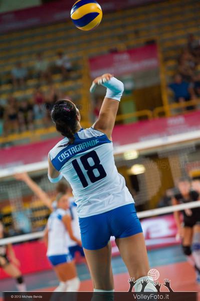Carolina Costagrande [ITA] serve