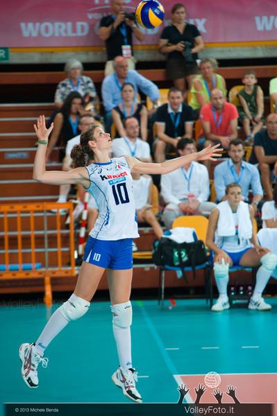Cristina Chirichella [ITA] serves