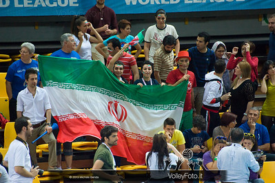 Tifosi iraniani - Italia-Iran, World League 2013 - Modena