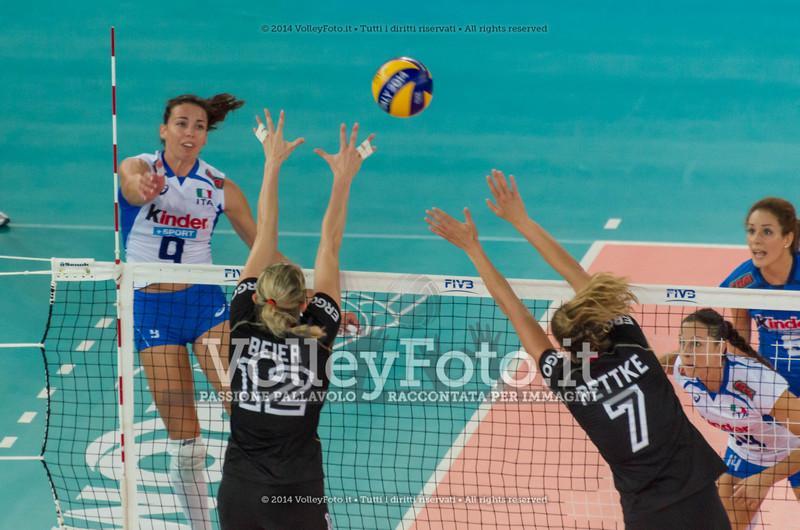 Nadia CENTONI, attacks