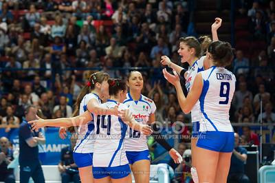 Cristina CHIRICHELLA, celebrates with teammates