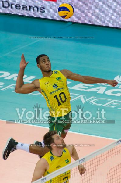 Ricardo Lucarelli Santos De Souza, attack