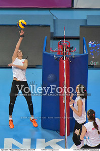TURKEY training session 2016 European Olympic Qualification - Women | Başkent Voleybol Salonu Ankara, Türkiye, 03.01.2016 FOTO: Michele Benda © 2016 Volleyfoto.it, all rights reserved [id:20160103.MB2_5618]
