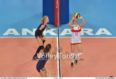 Croatia - Turkey POOL A - 2016 European Olympic Qualification - Women | Başkent Voleybol Salonu Ankara, Türkiye, 04.01.2016 FOTO: Michele Benda © 2016 Volleyfoto.it, all rights reserved [id:20160104.MB2_7160]