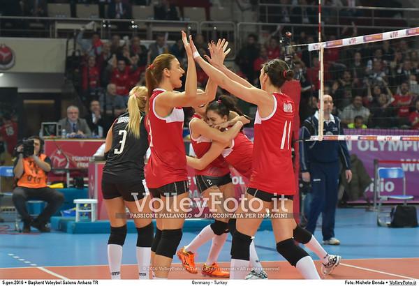 Germany - Turkey POOL A - 2016 European Olympic Qualification - Women | Başkent Voleybol Salonu Ankara, Türkiye, 05.01.2016 FOTO: Michele Benda © 2016 Volleyfoto.it, all rights reserved [id:20160105.MB2_8464]