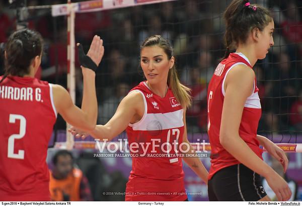 Germany - Turkey POOL A - 2016 European Olympic Qualification - Women | Başkent Voleybol Salonu Ankara, Türkiye, 05.01.2016 FOTO: Michele Benda © 2016 Volleyfoto.it, all rights reserved [id:20160105.MB2_8466]