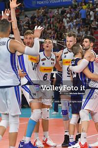 Italia team, celebrates a point