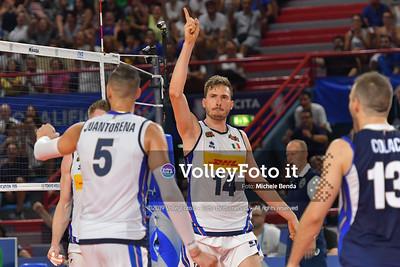 Matteo PIANO, celebrates a point, with teammates