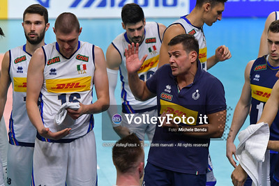 Gianlorenzo BLENGINI, Head Coach of Italy, time-ou