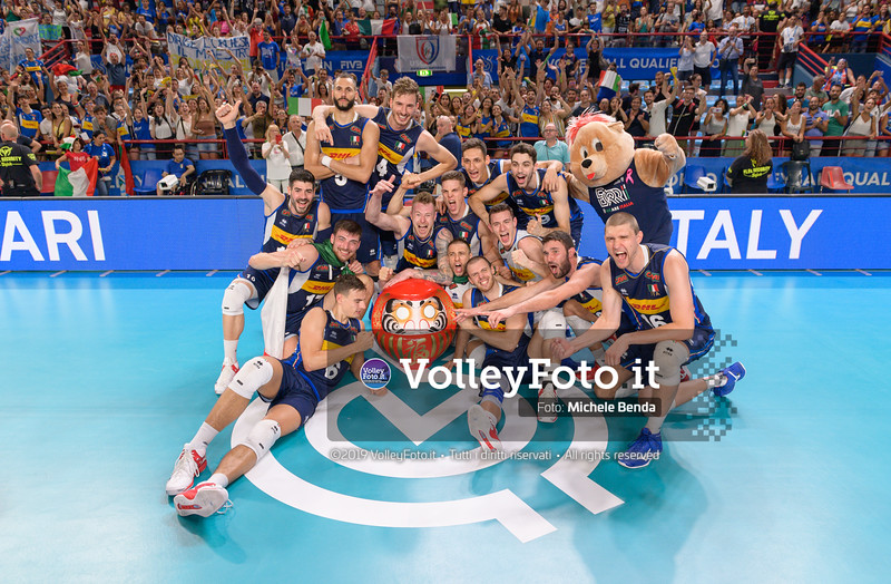 Italiy Team, celebrates olympic qualification
