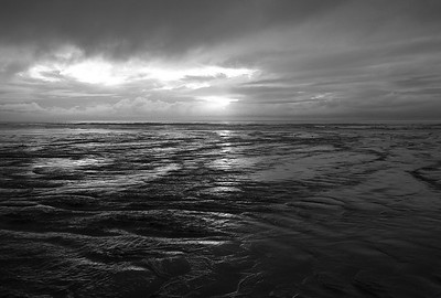 20080122-08-01-22 BW Storm Sunset at Morro Strand-2