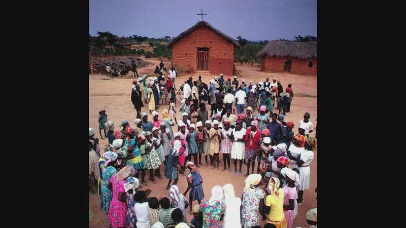 (LISTEN):  Music Of Interior Angola (Tsikaya)