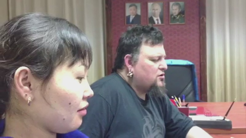 (WATCH):  Spontaneous Throat Singing By Soriah During Dinner With Aldar Tamdyn And Tyva Kyzy