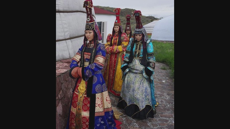 (LISTEN) Samples Of Tuvan Throat Singing