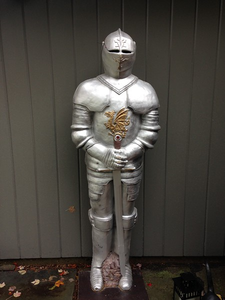 6' tall Knight- hollow and one sided