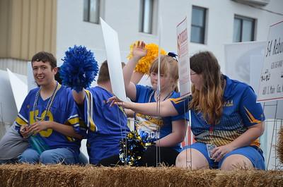 Iola High School Homecoming Parade
