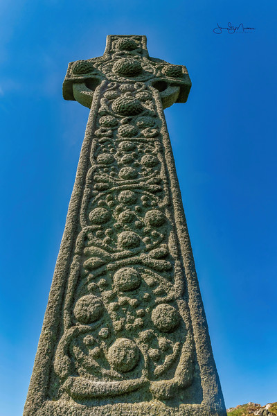 ~St Martin's Cross Iona
