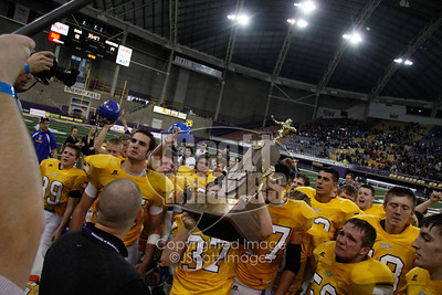 Don-Bosco-Dons-State-Champions-8-man-UNI-Dome-0525-2