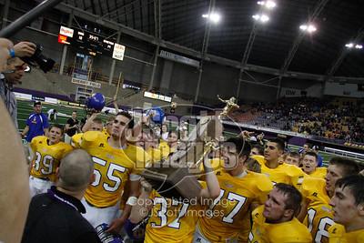 Don-Bosco-Dons-State-Champions-8-man-UNI-Dome-0527-2