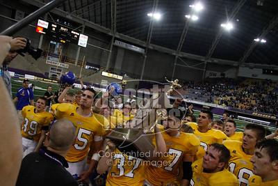 Don-Bosco-Dons-State-Champions-8-man-UNI-Dome-0526-2