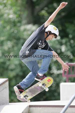 Skateboarding_01
