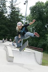 Skateboarding_26