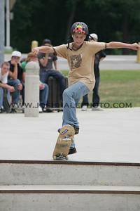 Skateboarding_25