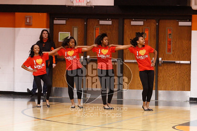 Waterloo-East-Trojans-Kickline-Dance-Team_mg_8293
