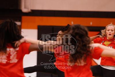 Waterloo-East-Trojans-Kickline-Dance-Team_mg_8318