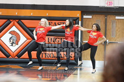 Waterloo-East-Trojans-Kickline-Dance-Team_mg_8298