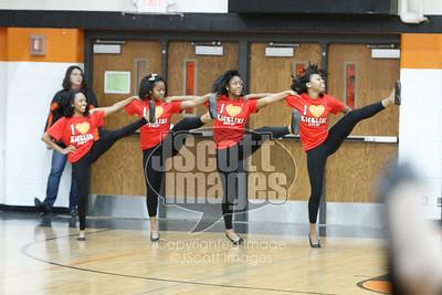 Waterloo-East-Trojans-Kickline-Dance-Team_mg_8294