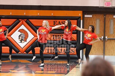 Waterloo-East-Trojans-Kickline-Dance-Team_mg_8300