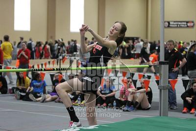 Iowa-High-School-Wartburg-Indoor-Track-senior-photos-senior-pics-50701-0050