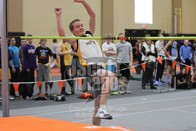 Iowa-High-School-Wartburg-Indoor-Track-senior-photos-senior-pics-50701-0056