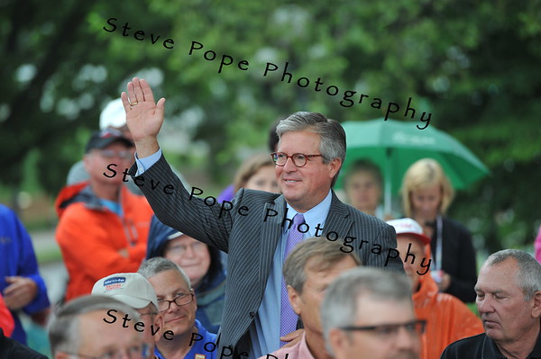 Greg Edwards, President and CEO of the Des Moines Convention and Visitors Bureau, waves to the crowd at the Opening Ceremony of the Iowa State Fair on Aug. 7. (Iowa State Fair/ Steve Pope Photography)